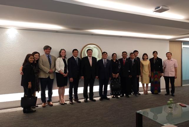 ဝန်ထမ်းနောင်ရေး ဗဟိုရန်ပုံငွေ အကောင်အထည်ဖော်ရေးကော်မတီ ဥက္ကဋ္ဌ၊ စီမံကိန်း၊ ဘဏ္ဍာရေးနှင့်စက်မှုဝန်ကြီးဌာန၊ ဒုတိယဝန်ကြီး ဦးမောင်မောင်ဝင်း ဦးဆောင်သည့် မြန်မာကိုယ်စားလှယ်အဖွဲ့သည် ကမ္ဘာ့ဘဏ်၏ မြန်မာနိုင်ငံ ဒါရိုက်တာရုံးနှင့် ညှိနှိုင်း၍ ထိုင်းနိုင်ငံ Government Pension Fund – GPF စနစ် ဆောင်ရွက်နေမှုများကို  ဖေဖော်ဝါရီလ ၁၂ ရက်နေ့မှ ၁၄ ရက်နေ့အထိ ထိုင်းနိုင်ငံ၊ ဗန်ကောက်မြို့သို့ သွားရောက်လေ့လာခဲ့ခြင်း